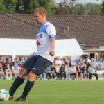 Max Heinrich gegen Sören Brandy von Arminia Bielefeld - Erste Mannschaft